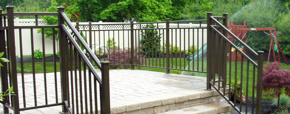 Aluminum powder coated deck railing